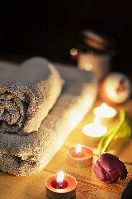 ručníky, svíčky