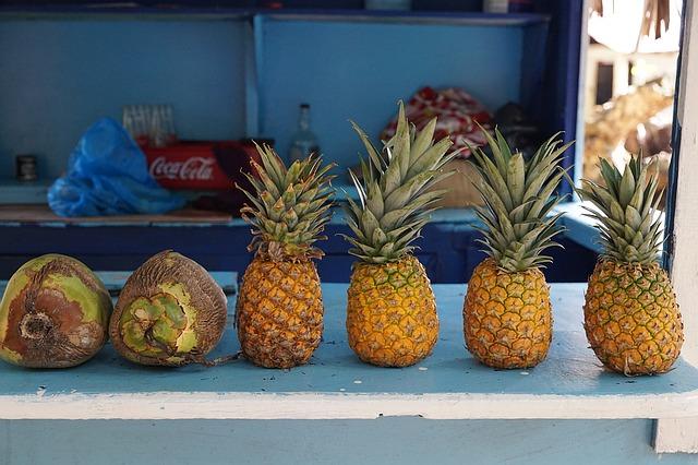 ananas na polici