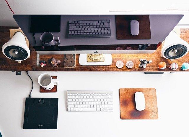 domácí kancelář stůl